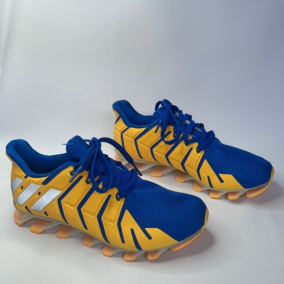 Adidas boys Springblade Pro J running shoes size 4